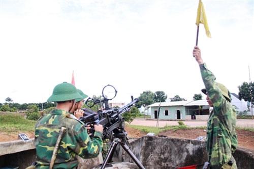 """Chiến sĩ trẻ """"cưỡi"""" tăng, luyện súng - 10"""