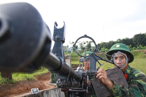 """Chiến sĩ trẻ """"cưỡi"""" tăng, luyện súng - 12"""