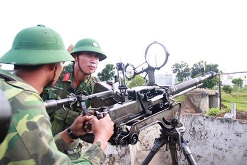 """Chiến sĩ trẻ """"cưỡi"""" tăng, luyện súng - 8"""