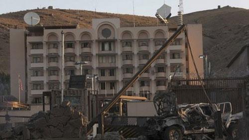 Taliban tấn công dữ dội tòa lãnh sự Mỹ - 1