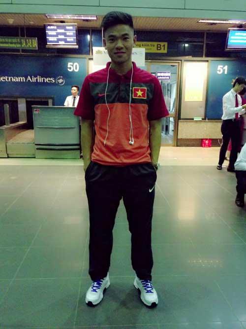 Cầu thủ U23 Việt Nam khoe ảnh đi Hungary - 1