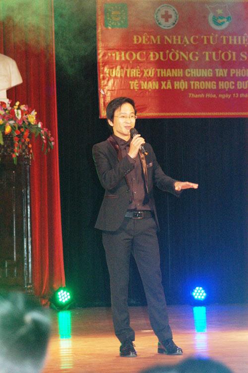 Quang Anh diễn hết mình tại quê nhà - 11