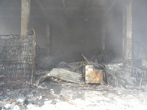 Trung tâm thương mại Hải Dương cháy dữ dội - 10