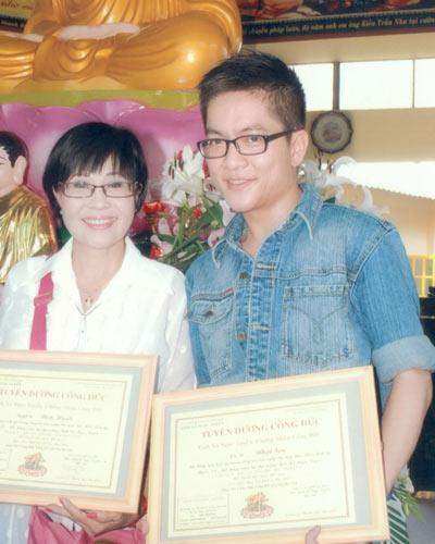 Con trai út nghệ sĩ Minh Cảnh bị đâm chết - 5