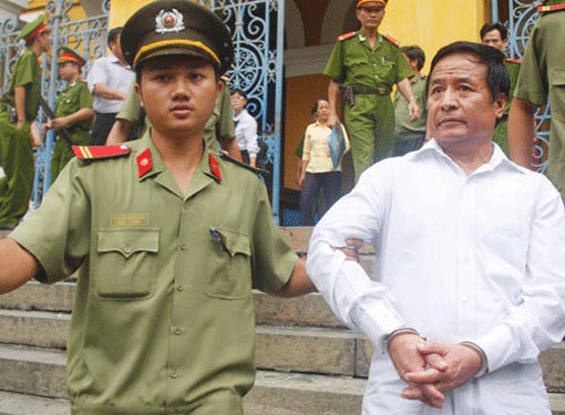 Tăng án lên tử hình đối với Ngô Quang Chướng - 1