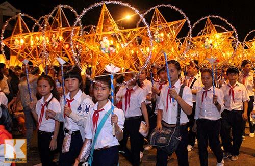 Lễ hội rước đèn Trung thu lớn nhất Việt Nam - 14