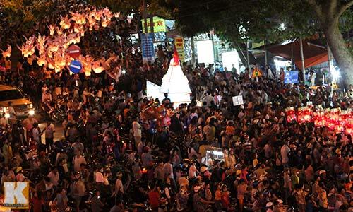 Lễ hội rước đèn Trung thu lớn nhất Việt Nam - 15