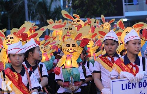 Lễ hội rước đèn Trung thu lớn nhất Việt Nam - 11