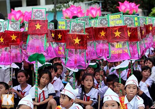 Lễ hội rước đèn Trung thu lớn nhất Việt Nam - 12