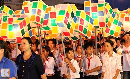 Lễ hội rước đèn Trung thu lớn nhất Việt Nam - 13