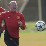 Bóng đá - Bỏ băng đầu, Rooney tươi cười luyện tập