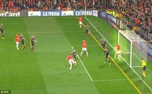 Tranh cãi quanh bàn thứ 199 của Rooney - 2