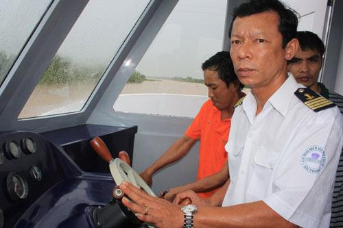 Cận cảnh tàu cánh ngầm hai thân của Việt Nam - 7