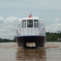 Cận cảnh tàu cánh ngầm hai thân của Việt Nam