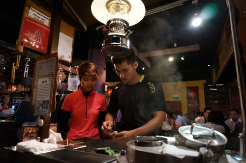 Sao Việt chinh phục thử thách tại Singapore - 8