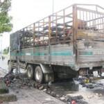 Tin tức trong ngày - TP.HCM: Vừa qua hầm Thủ Thiêm, xe tải bốc cháy