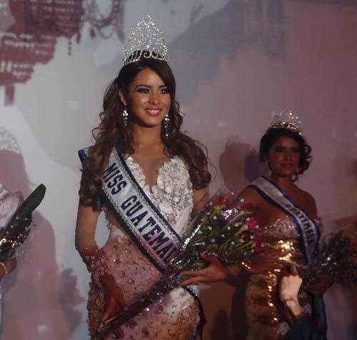 Hoa hậu Hoàn vũ bị đuổi khỏi sân khấu - 1