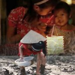 Phim - Video: Nghẹn lòng trung thu nhà nghèo