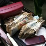 An ninh Xã hội - 2 ngày, sư giả xin được 5 triệu đồng