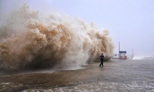 TQ: Siêu bão Usagi càn quét, 25 người chết - 3