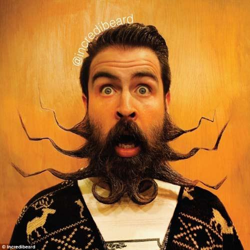 Người đàn ông có kiểu râu kỳ lạ - 4