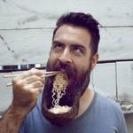 Phi thường - kỳ quặc - Người đàn ông có kiểu râu kỳ lạ