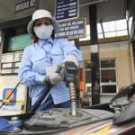 Thị trường - Tiêu dùng - Đã có thể giảm giá xăng trong nước