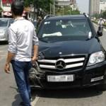 An ninh Xã hội - Khởi tố kẻ vờ mua rồi cướp xe Mercedes GLK