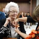 Giáo dục - du học - Mỹ: Cụ bà 99 tuổi nhận bằng tốt nghiệp trung học