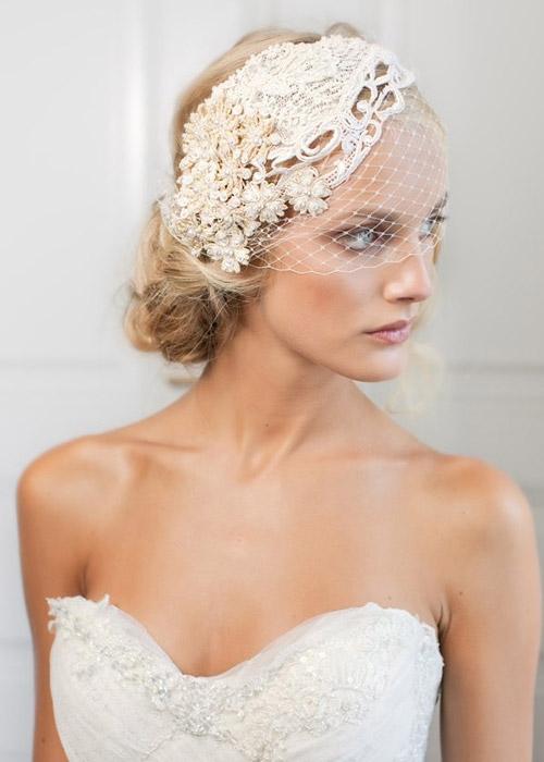 Nàng dâu trẻ trung hơn với hoa cài tóc - 9