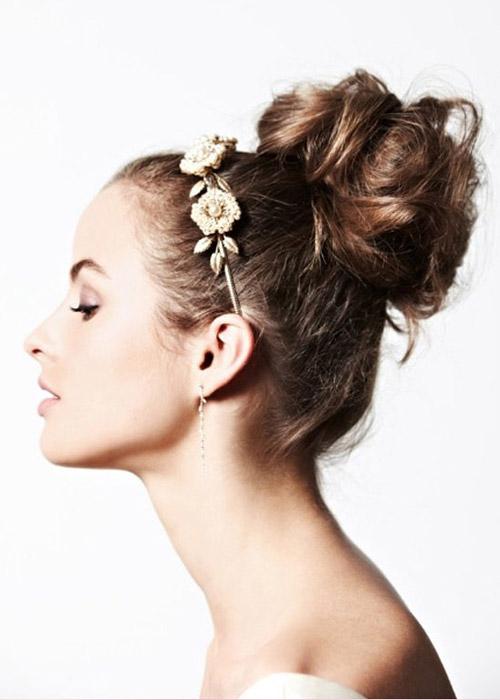 Nàng dâu trẻ trung hơn với hoa cài tóc - 16