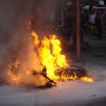 An ninh Xã hội - Đánh vợ, đốt xe, đâm chết hàng xóm