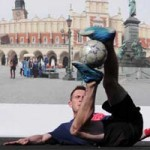 Bóng đá - Video hot trình diễn thử thách Tâng bóng 24