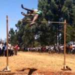 Thể thao - Thi nhảy cao cực dị kiểu Kenya