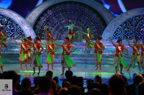 Đại diện Philippines thành tân hoa hậu! - 3