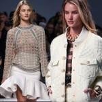 Thời trang - Rosie Huntington để ngực trần đi catwalk