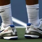 Học tennis qua ti vi: Chọn giày thi đấu
