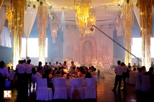 Ngọc Thạch gây sốc với đám cưới tiền tỷ - 1
