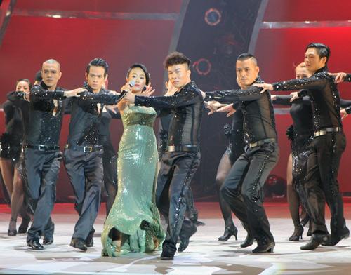Đoan Trang bầu bí vẫn nhảy giày cao gót - 7
