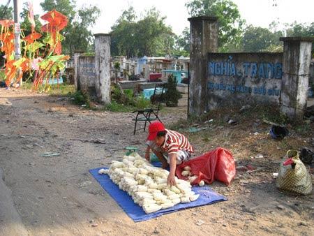 Chuyện ám ảnh ở nghĩa trang lớn nhất Sài Gòn - 2