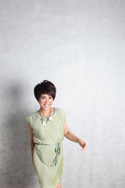 Uyên Linh hát với 74 nhạc công - 1