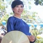 Ngôi sao điện ảnh - Phương Thanh tóc ngắn e ấp trong tà áo dài xưa