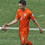 Bóng đá - Persie hứng chịu cơn thịnh nộ của fan cuồng thay Robben
