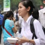 Bạn trẻ - Cuộc sống - HN: Phát 250 suất cơm chay miễn phí cho sĩ tử
