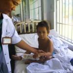 Sức khỏe đời sống - Nối thành công bàn tay bé trai bị chú chém lìa