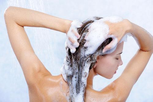 Những hành động tối kỵ với mái tóc - 1