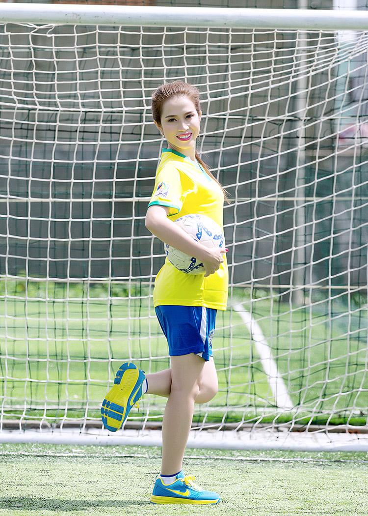 Hoàng Ny là nữ diễn viên đang được biết đến với một số vai diễn cá tính.