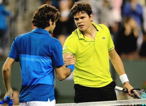 Federer e ngại những pha giao bóng sấm sét của Raonic - 1
