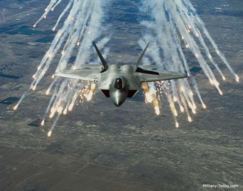 Mỹ điều chiến đấu cơ F-22 tới Đông Nam Á, TQ lo ngại - 2