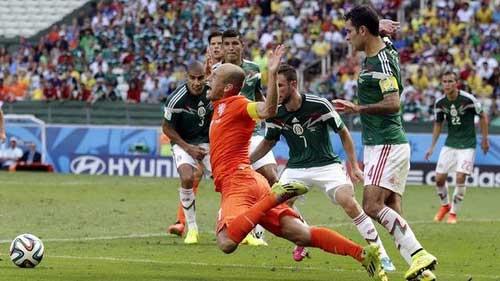 """Hà Lan: Hãy """"bắt"""" Robben, nếu có thể - 2"""